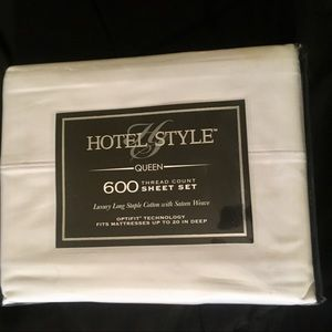 Accessories - Hotel Style Brand New Queen Sheet Set